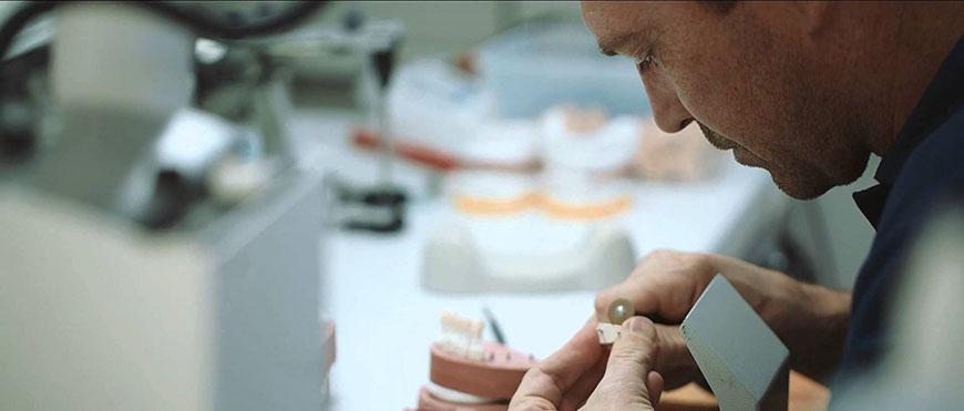 Профессия зубного техника - вредности работы
