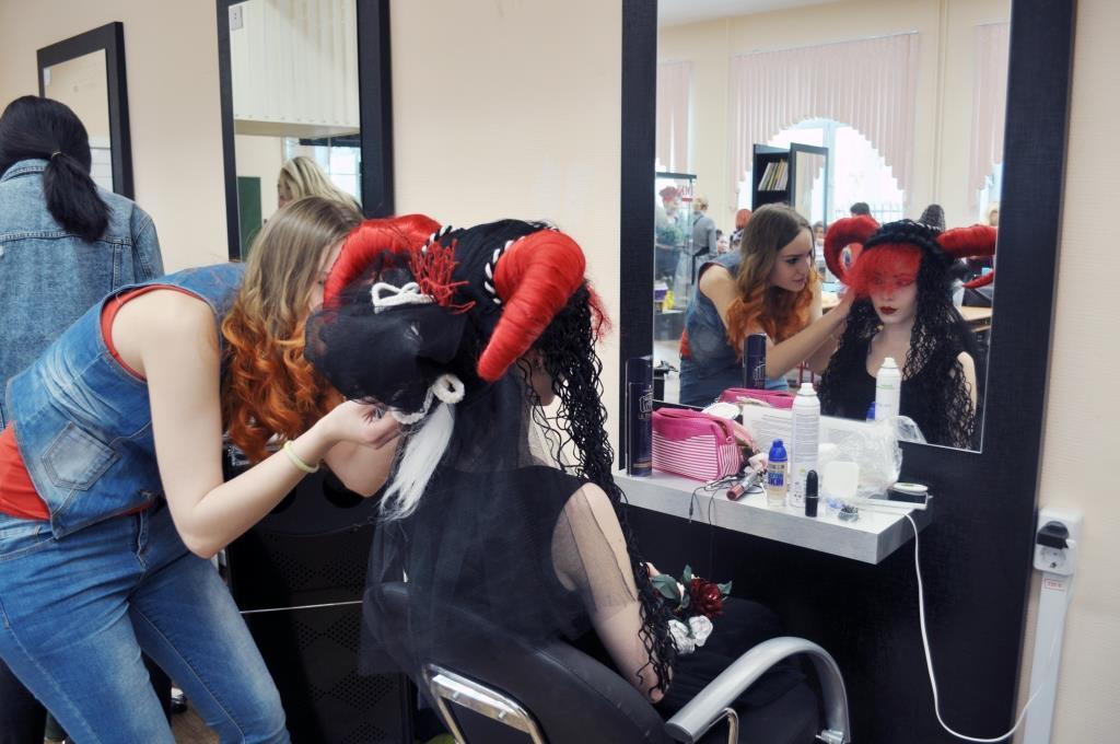 Колледж парикмахерского искусства обучение парикмахерскому искусству  Выпускник колледжа